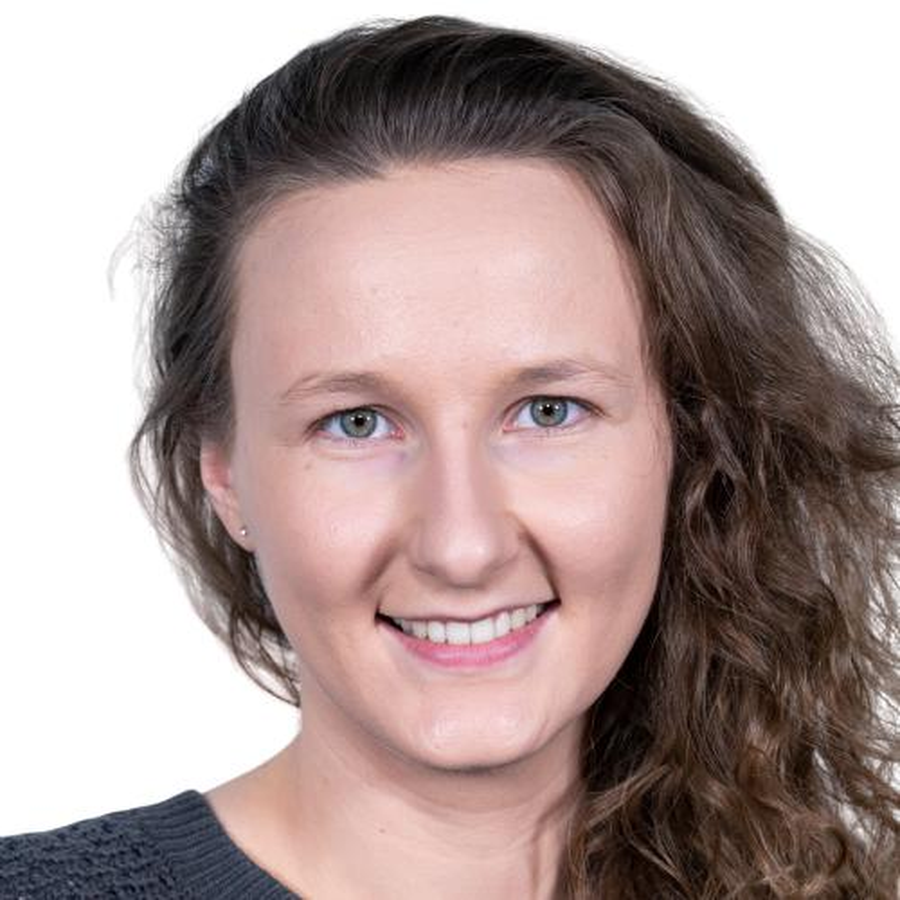 Julia Weller