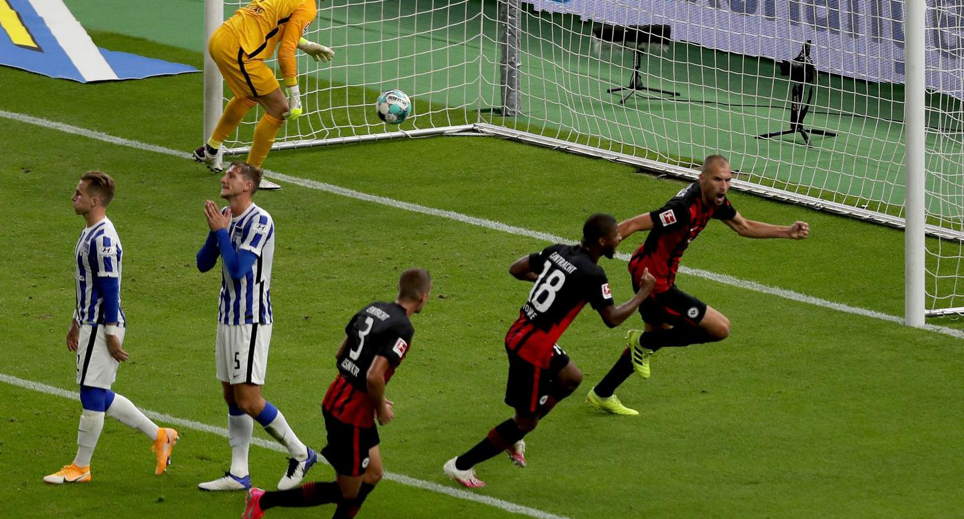 Frankfurt schockt Fan-Rückkehrer: Sieg bei Hertha BSC